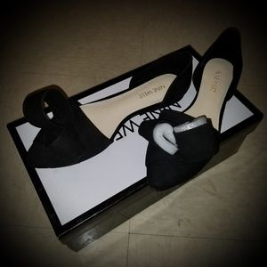 Nine West Shoreside Black Leather Ribbon Sandle